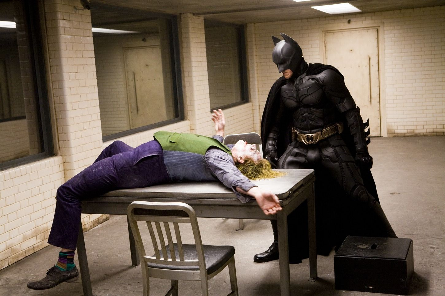 dark-knight-interrogation-christopher-nolan-24-i-bet-you-didn-t-know-about-these-goofs-in-the-dark-knight-jpeg-136258